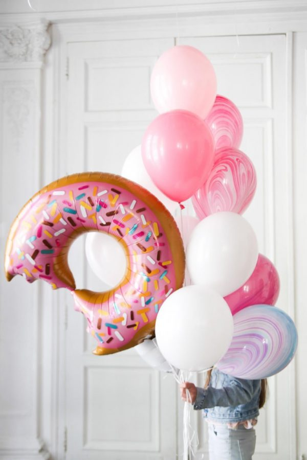 Sweet Donut Ready Composition Helium balloon | Faraday Helium Balloons in Geneva delivery